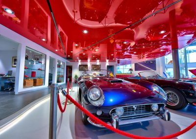 HDR Dealership Photography - Classic Cars